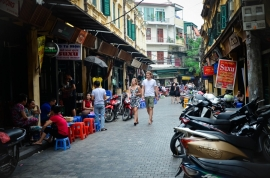 Enjoy FREE Hanoi walking tour when booking online with us